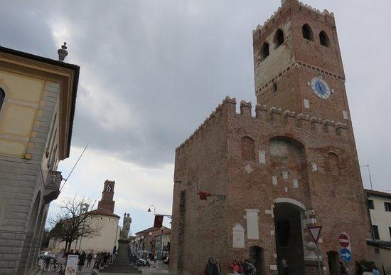 noale-piazza-castello